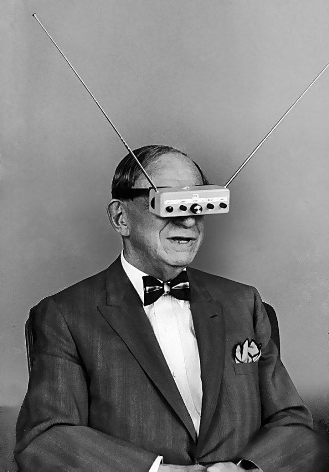 Señor con gafas 3d